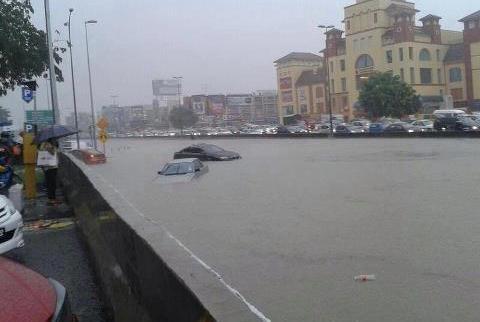 Banjir kilat Melanda Puchong