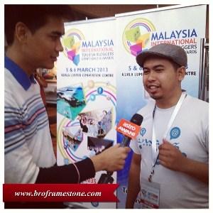 Malaysia Social Media Week 2013 - Astro Awani Bro Framestone