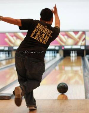 Aksi Shakiddo Bermain Bowling