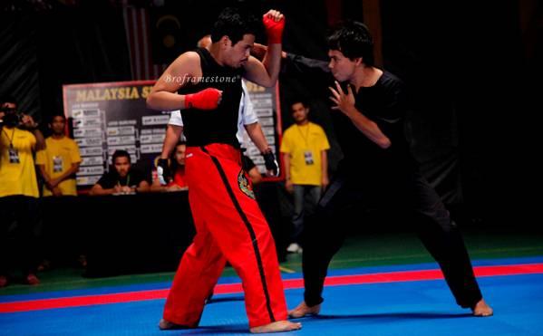 1 lawan satu Mikael Andre vs Azlan Komeng 2