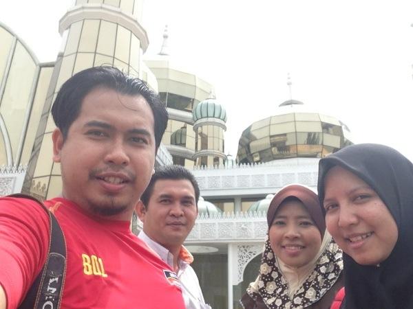Blogger Travel - Masjid Kristal Kuala Terengganu