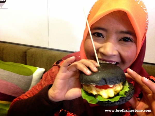 Smashies Burger - Blogger Deq Noor