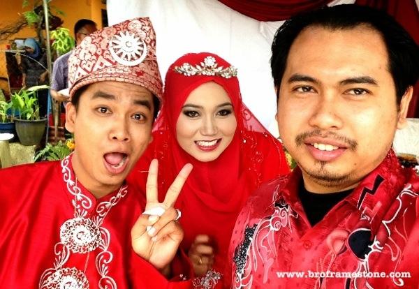 Selamat pengantin baru buat pasangan blogger, Fadil Nyu dan Ruzz Ezani.