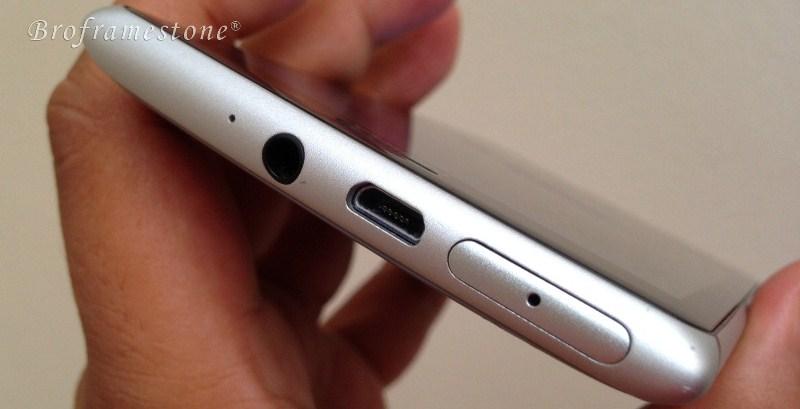 Pandangan Atas Nokia Lumia 925