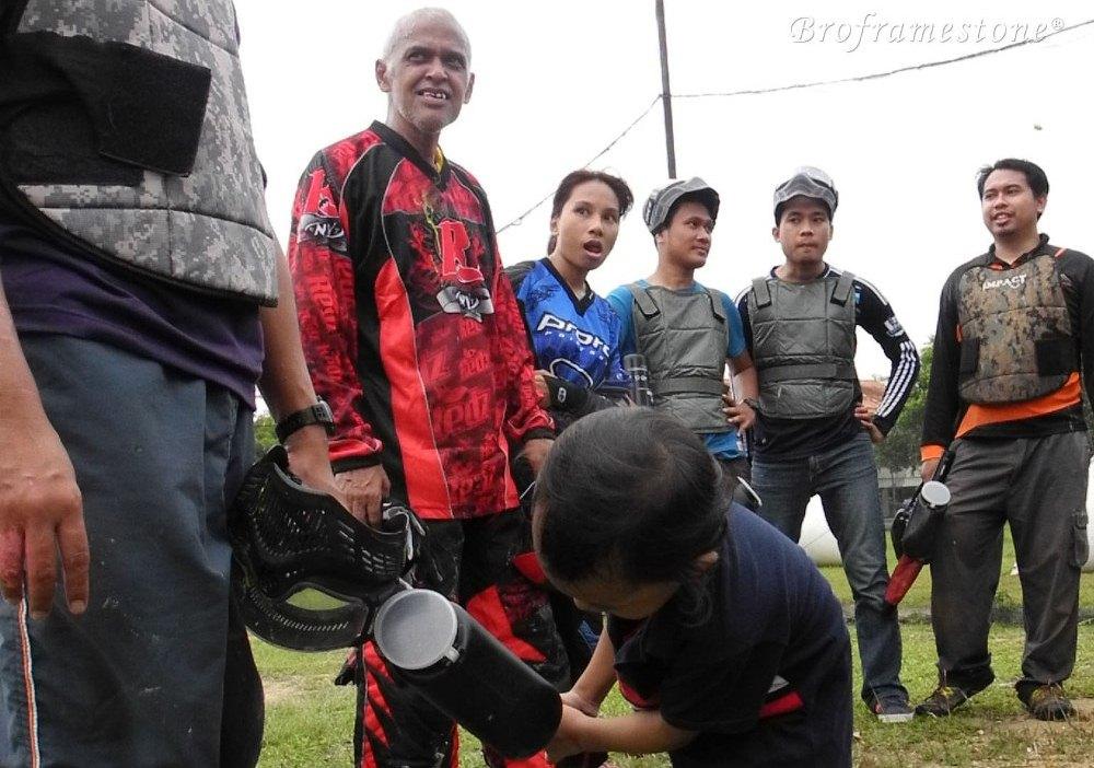 blogger bermain paintball cyberjaya park