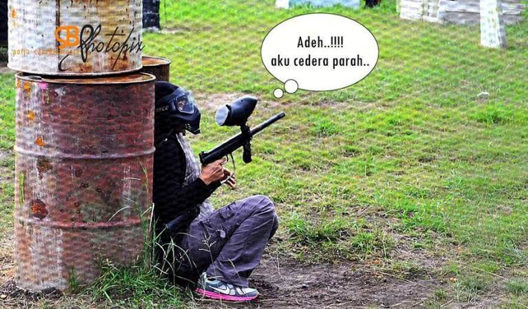 Awek main paintball cedera parah