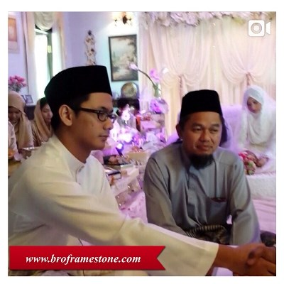 Tahniah dan selamat pengantin baru diucapkan kepada rakan blogger ...