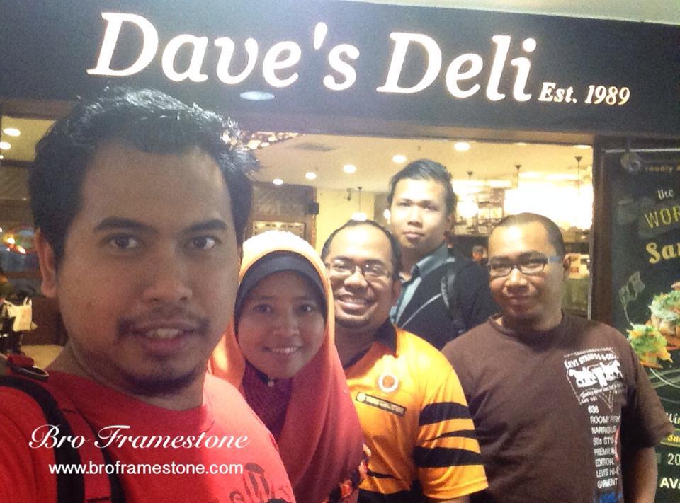 Blogger Dinner Dave's Deli