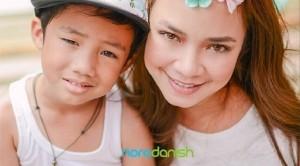Nora Danish dan anaknya Raykal