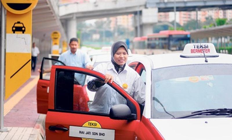 Pemandu Teksi Perempuan