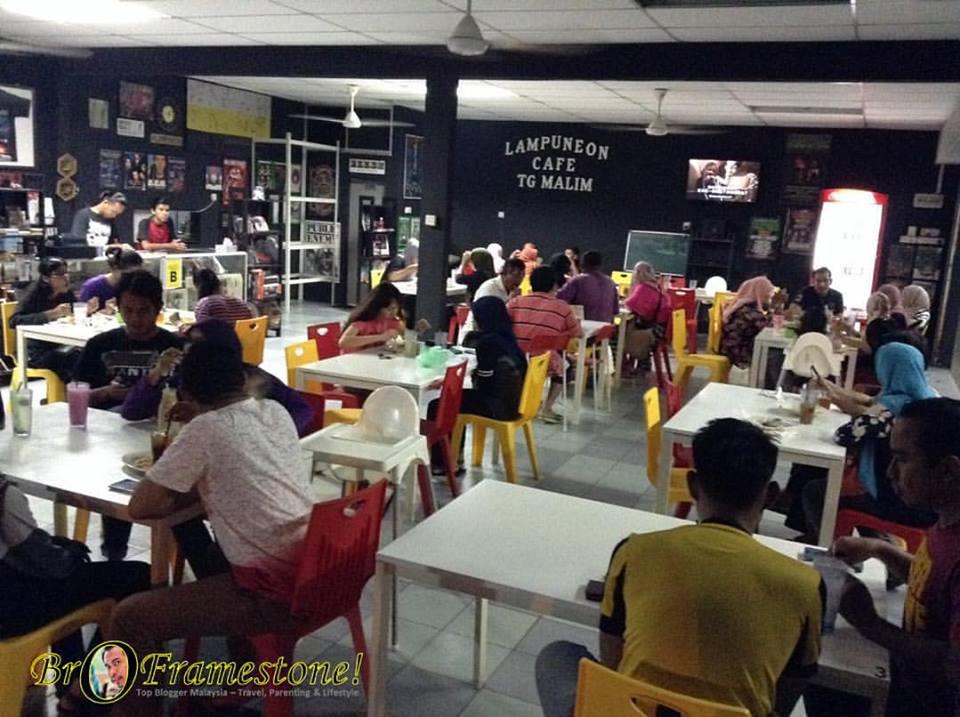 Lampuneon Cafe, Tg Malim, Perak