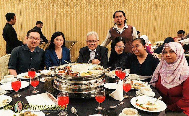 Bual Bicara Bersama Datuk Seri Hamzah Zainudin