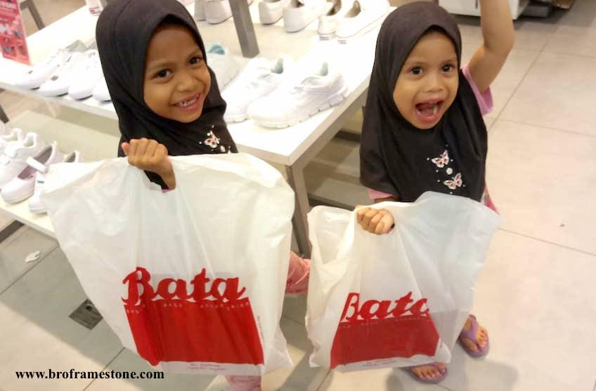 [Promosi] 2 Pasang Kasut Sekolah Back To School Dari Bata Pada Harga RM69