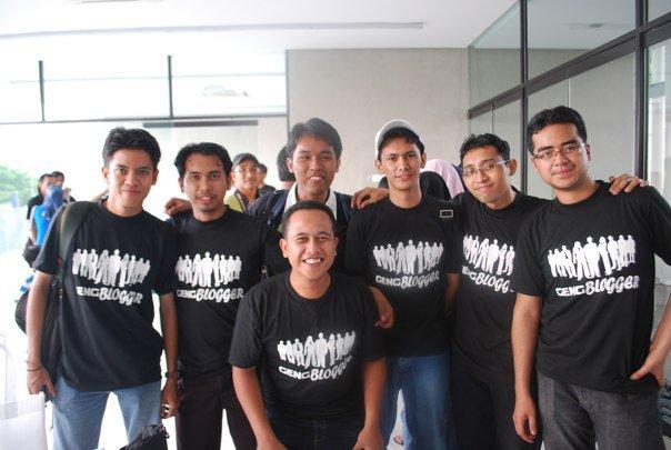 Perlu Ke Diwujudkan Persatuan Buat Blogger Di Malaysia?