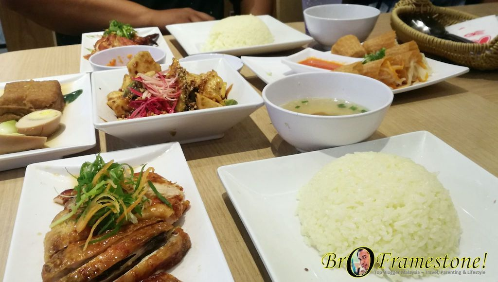 Makan di The Chicken Rice Shop
