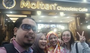 Makan di Molten Chocolate Cafe