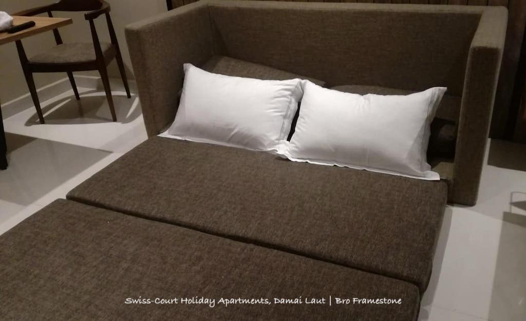Katil Sofa Swiss-Court Holiday Apartments, Damai Laut
