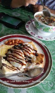 Breakfast Roti Leleh Batu Arang
