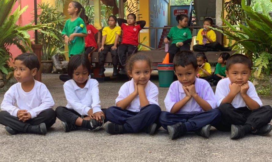 TOP Bantu Anak Orang Asli Kembali ke Sekolah Dengan Selamat