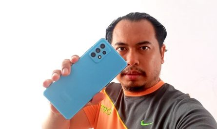 Samsung Galaxy A72 Biru